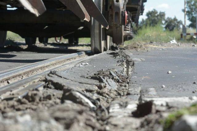 CRÓNICA FERROVIARIA: Mendoza: Nuevo descarrilamiento de un tren de carg...