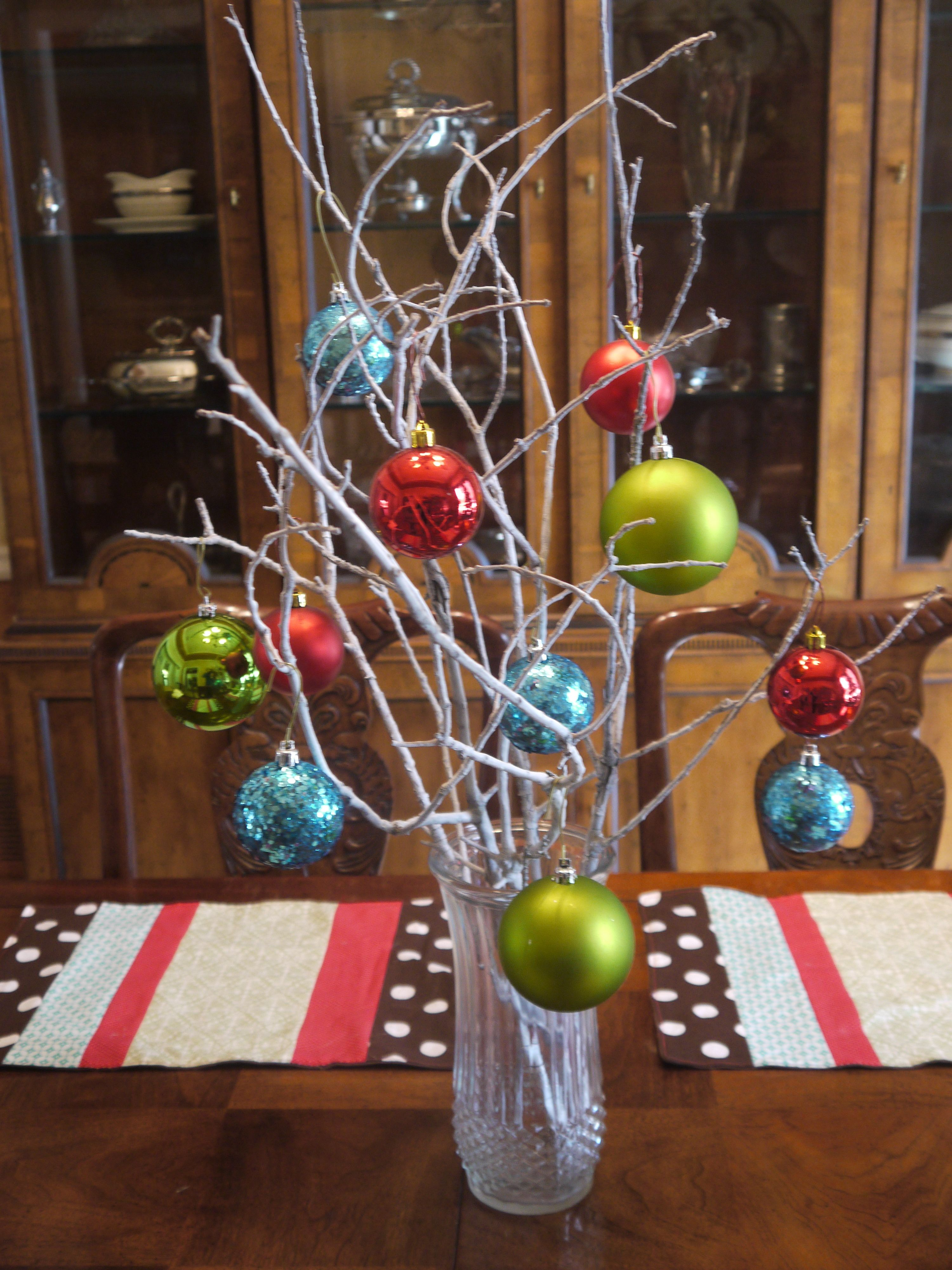 Grand Homemade with Small Balls Décor for Christmas Table ...