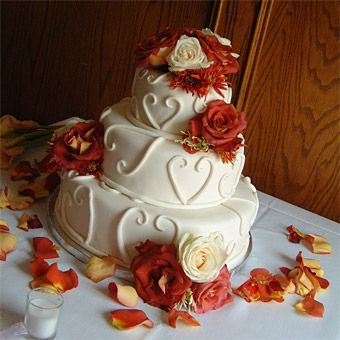 Fall wedding cakes wedding cake cake pictures and cake brides fall wedding cakes a pumpkin spice cake with apple butter and cream junglespirit Choice Image