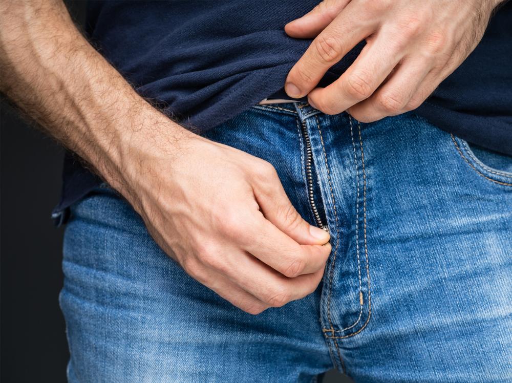 Männliches Glied erregen mit Finesse: So kannst du seinen Penis gekonnt stimulieren.