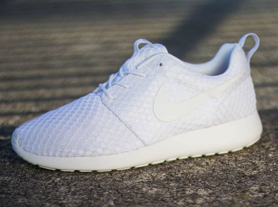 sale retailer 4fd0f 7725e nike roshe run white mesh 0 Nike Roshe Run White Mesh