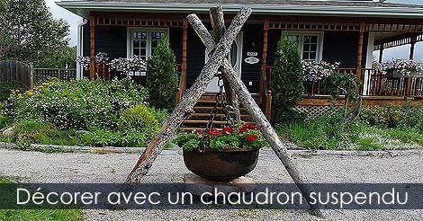 pot en fonte pour jardin suspendre un chaudron fleuri au jardin comment installer