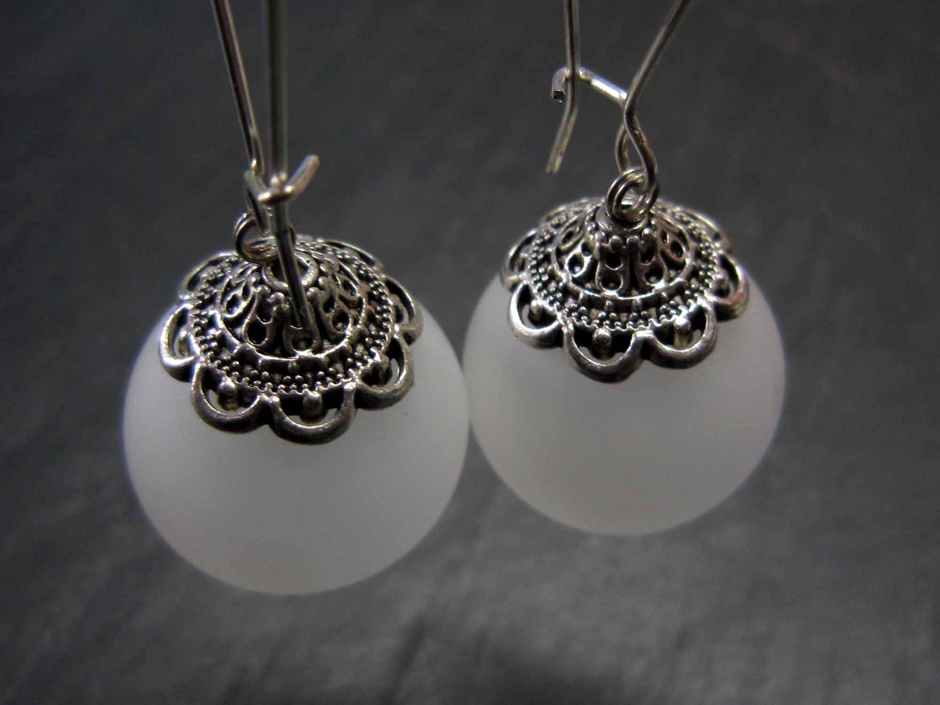 """Longues boucles """"Bulles de lumières"""", bulles de verre poli & coupelles argentées - 1877 : Boucles d'oreille par karol-de-laleu"""