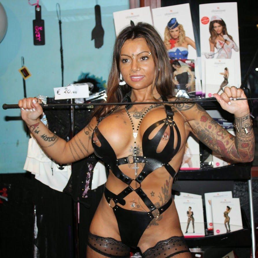 08e6186d34927 Mistress Desideria Godiva | Sexy Lady