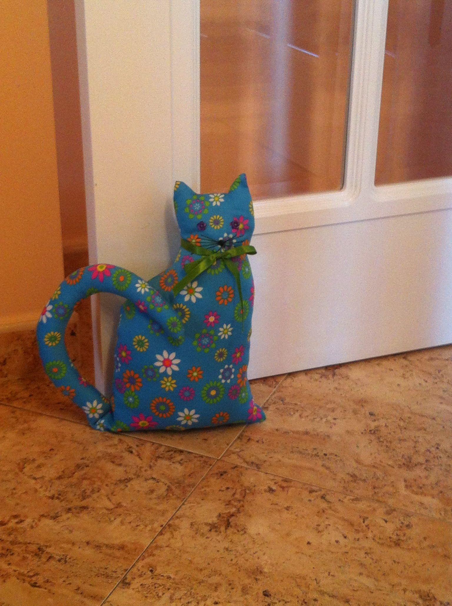 Gato sujeta puertas | simple quimera | Pinterest | Gato, Peso de ...