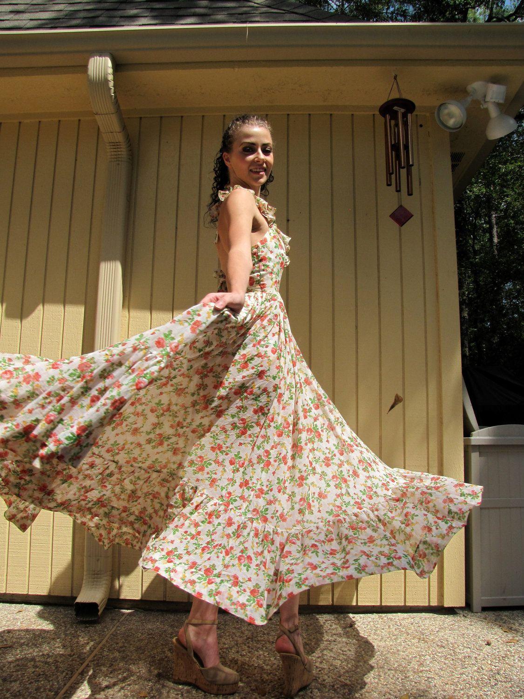 70s Hippie Maxi Dress Full Flowing Skirt Little Flower Etsy Hippie Maxi Dress Maxi Dress Dresses [ 1500 x 1125 Pixel ]