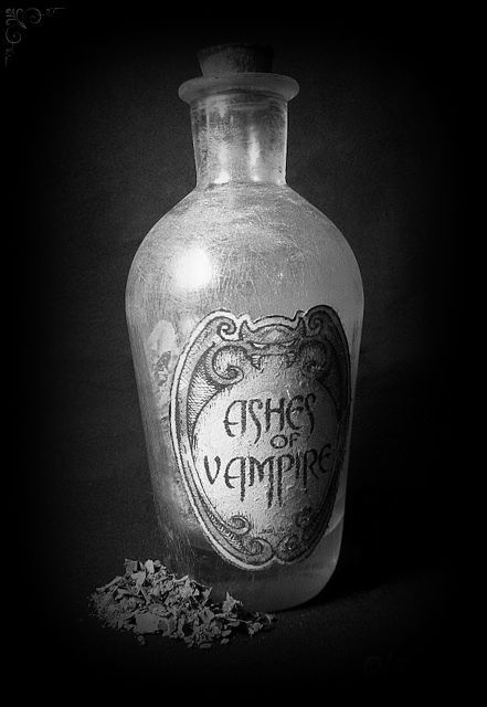 AsHeS oF VaMpiReE    Halloween  Fall Pinterest