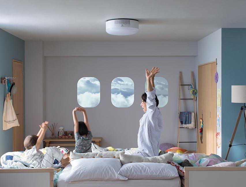 世界初 プロジェクター付き天井照明でホームシアター Popin Aladdin