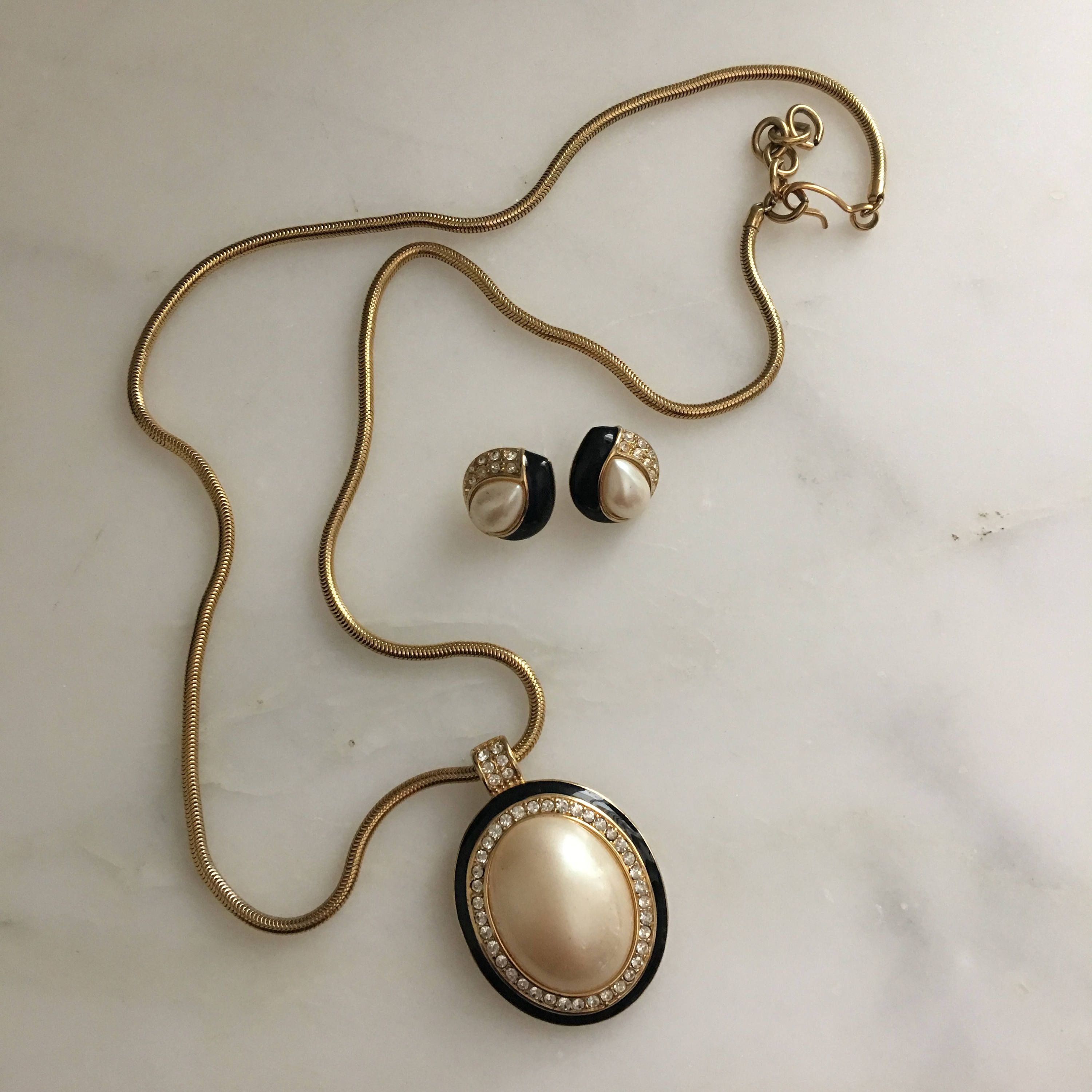 Vintage monet cabochon pearl pendant necklace and earrings us