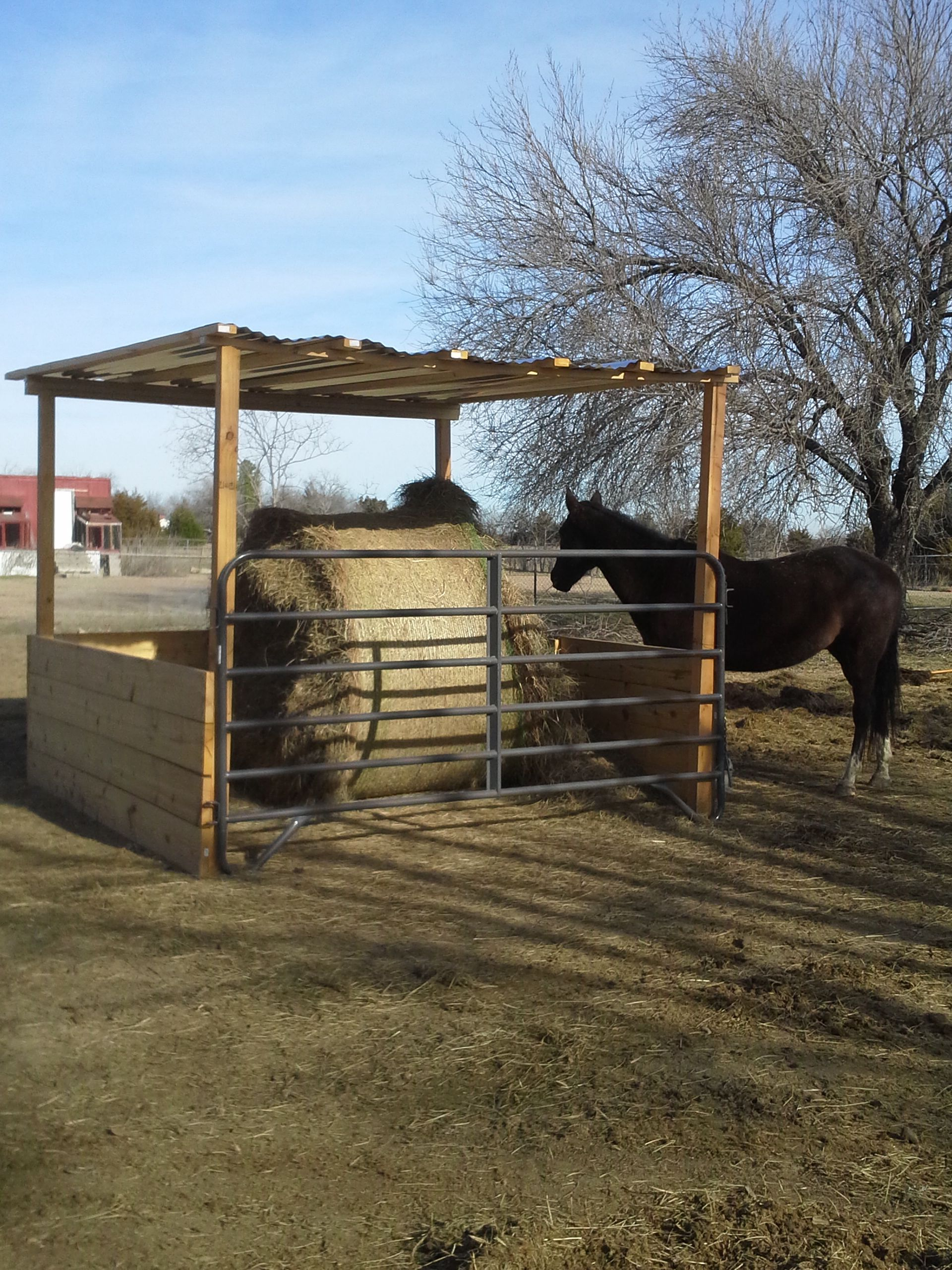 feeder img equipment mountain v hay country feeders sale for store mce horse