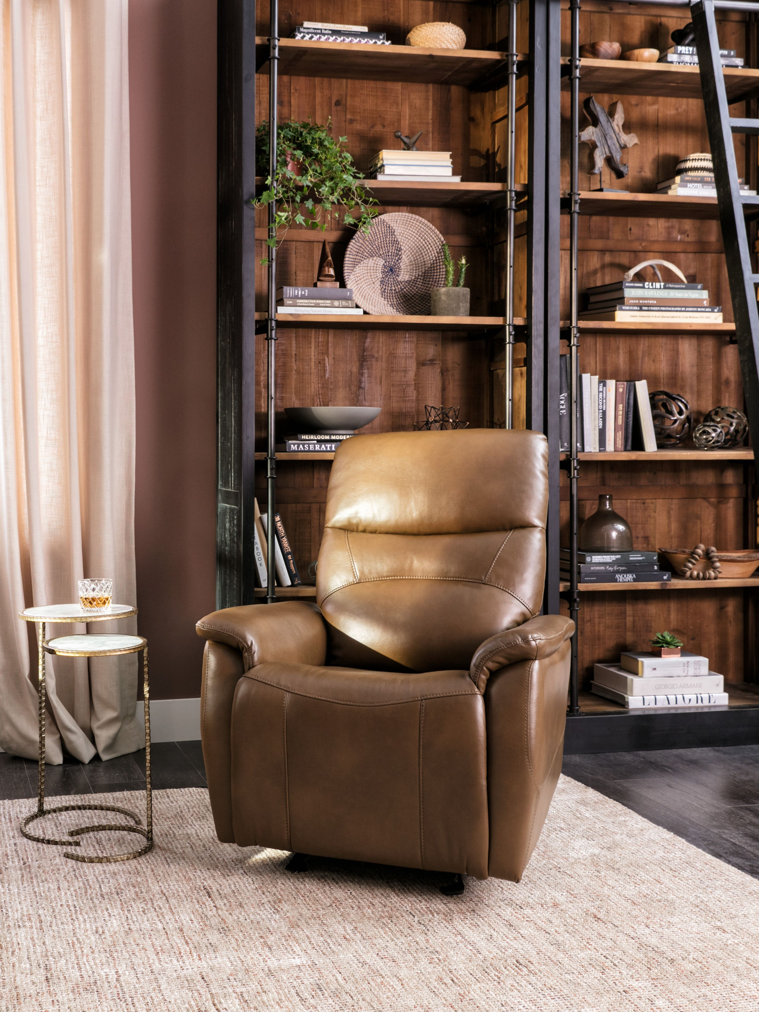 Genuine Leather Recliner Chairs Relax In Comfortable And Durable Recliners In Styles To Fit Traditional Romantic Home Decor Master Bedroom Design Home Decor