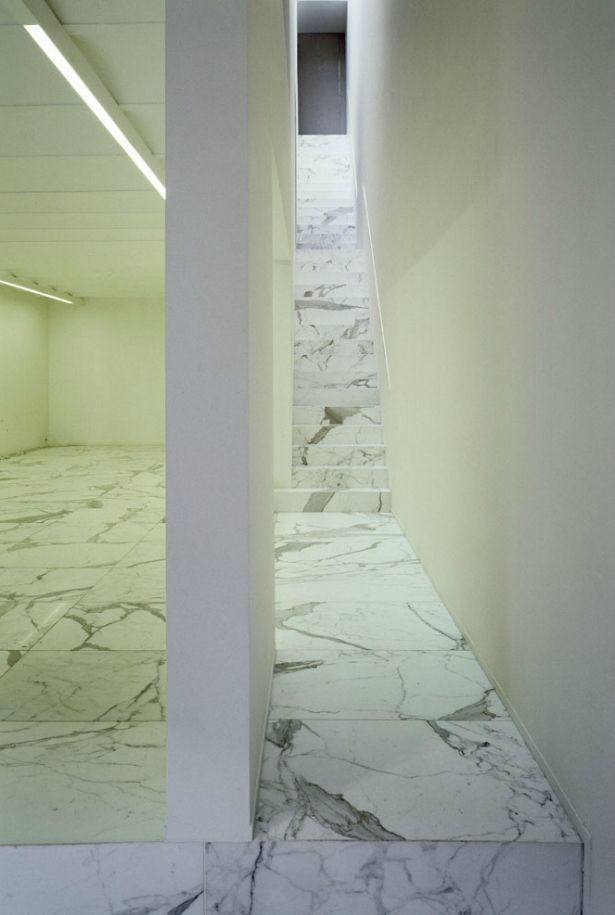 White Calacatta Marble Staircase Art Gallery In Brussels
