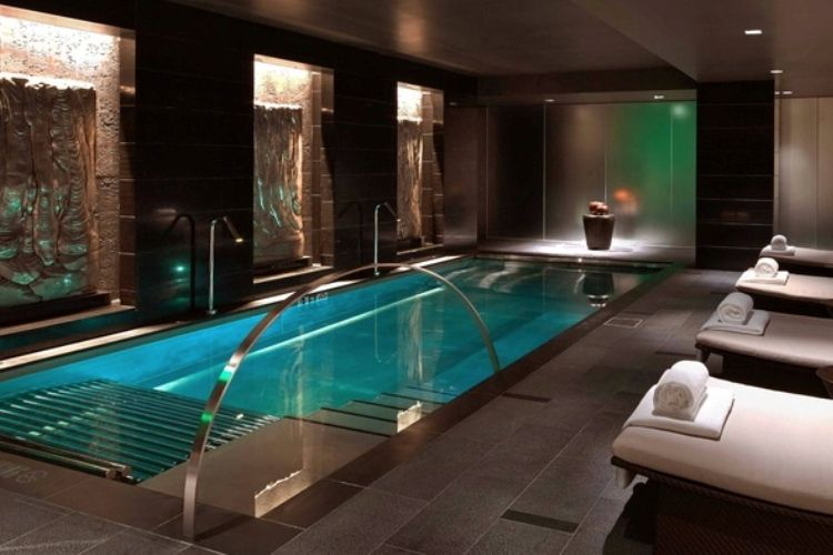 ΑΠΟΛΥΜΑΝΣΗ ΜΕ ΟΖΟΝ | Rooms - Indoor Pools | Pinterest | Indoor pools