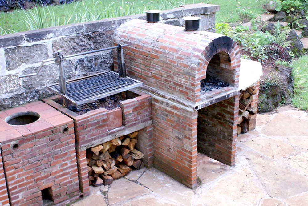 Barbeque Pizza And Tandoori Ovens Diani Flowers And Landscaping Lmited Pizza Oven Outdoor Outdoor Kitchen Backyard