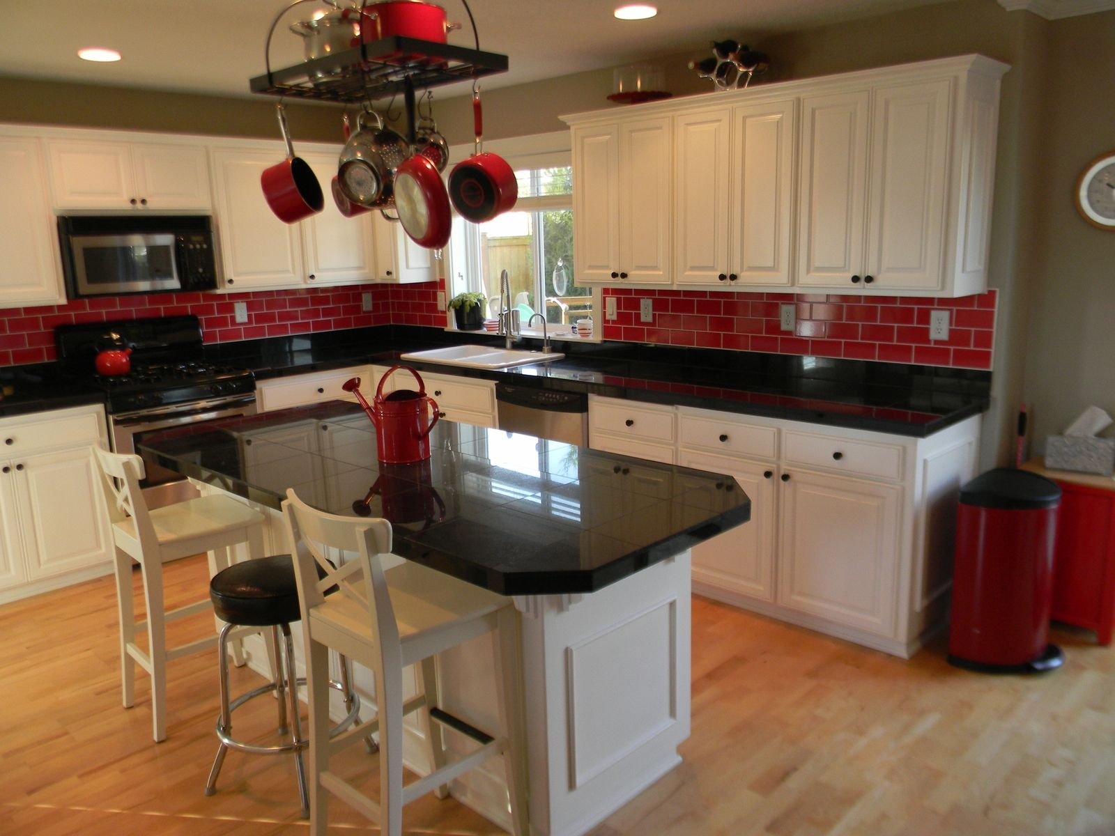 Think I Like This Red Backsplash Would Go Great With The Red Sink