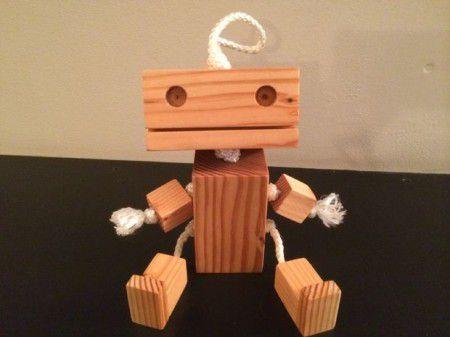 Como hacer un robot de madera madera juguetes y for Como fabricar un kiosco de madera