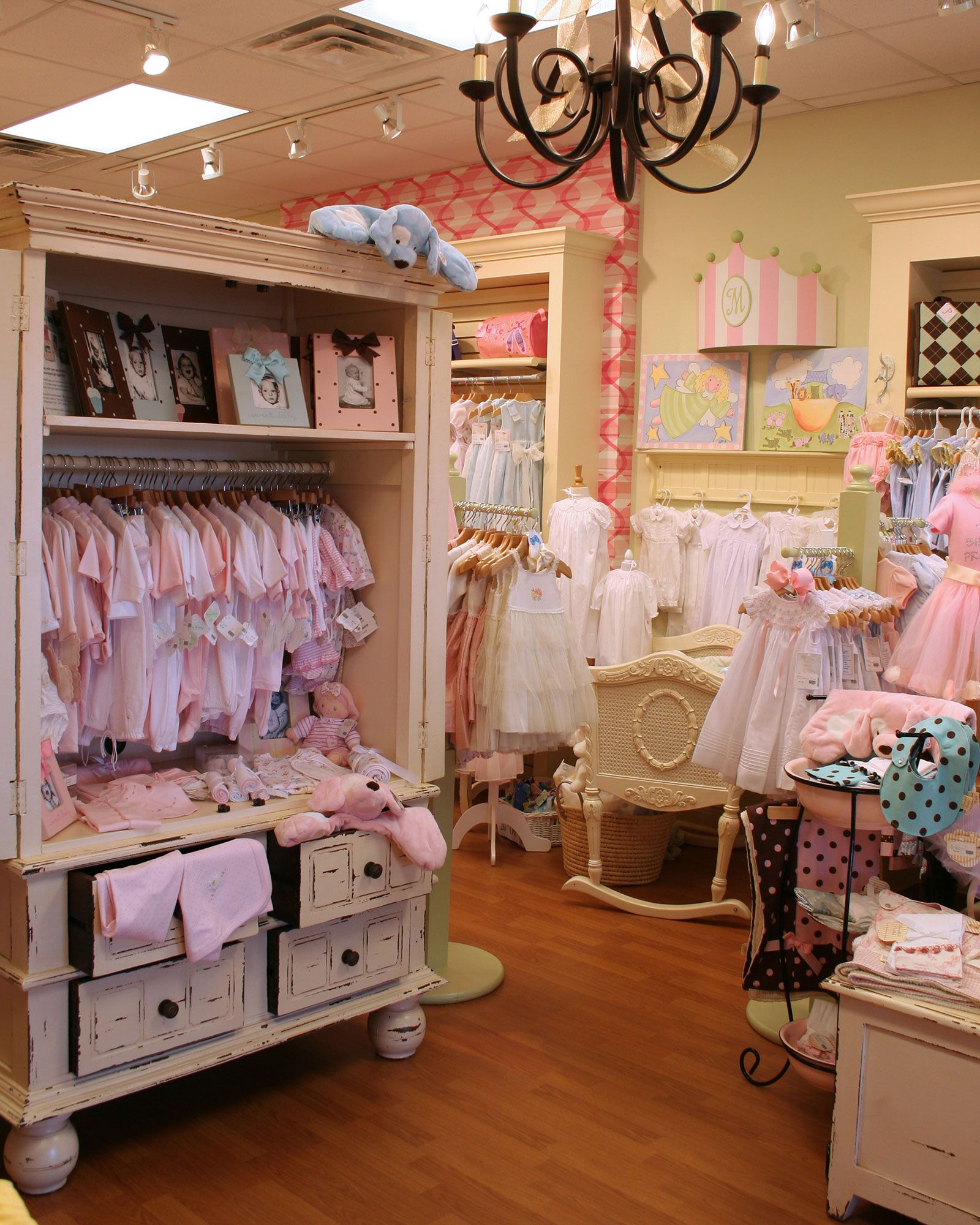 Chic Bebe Children Boutique Display Baby Store Display Commercial Design