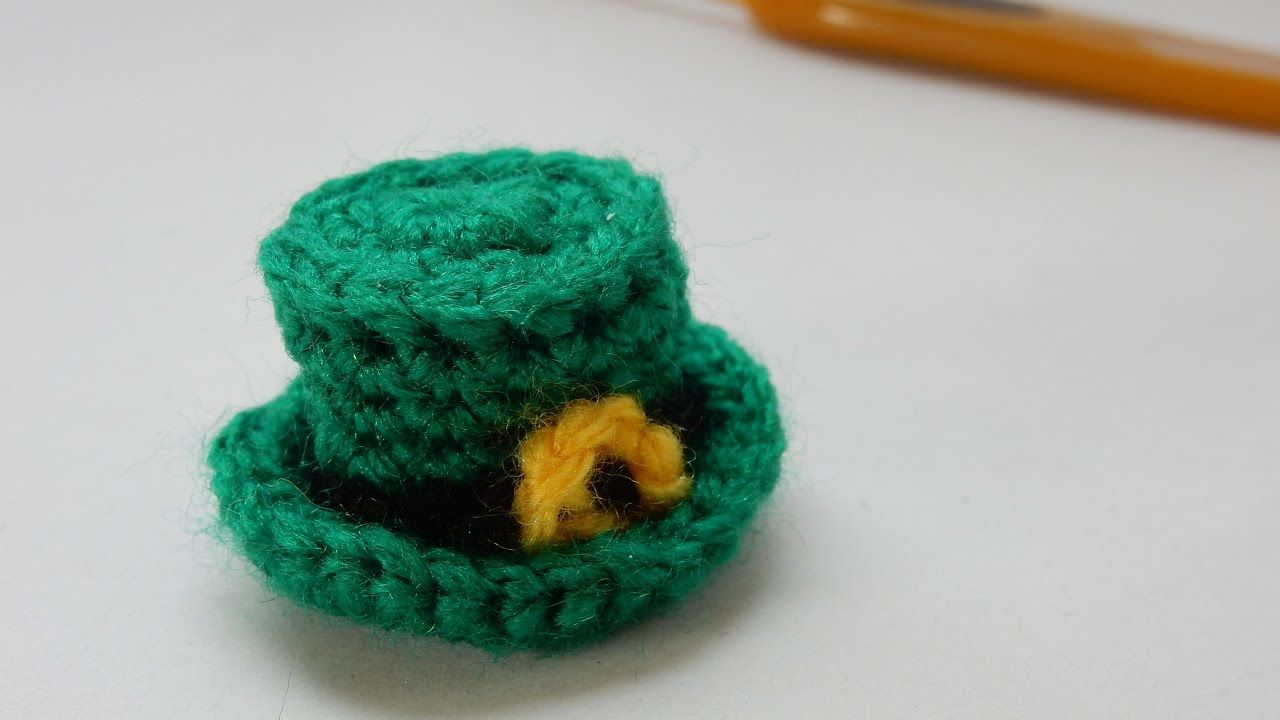 How to crochet my mini St. Patrick\'s Day hat | Easter | Pinterest ...