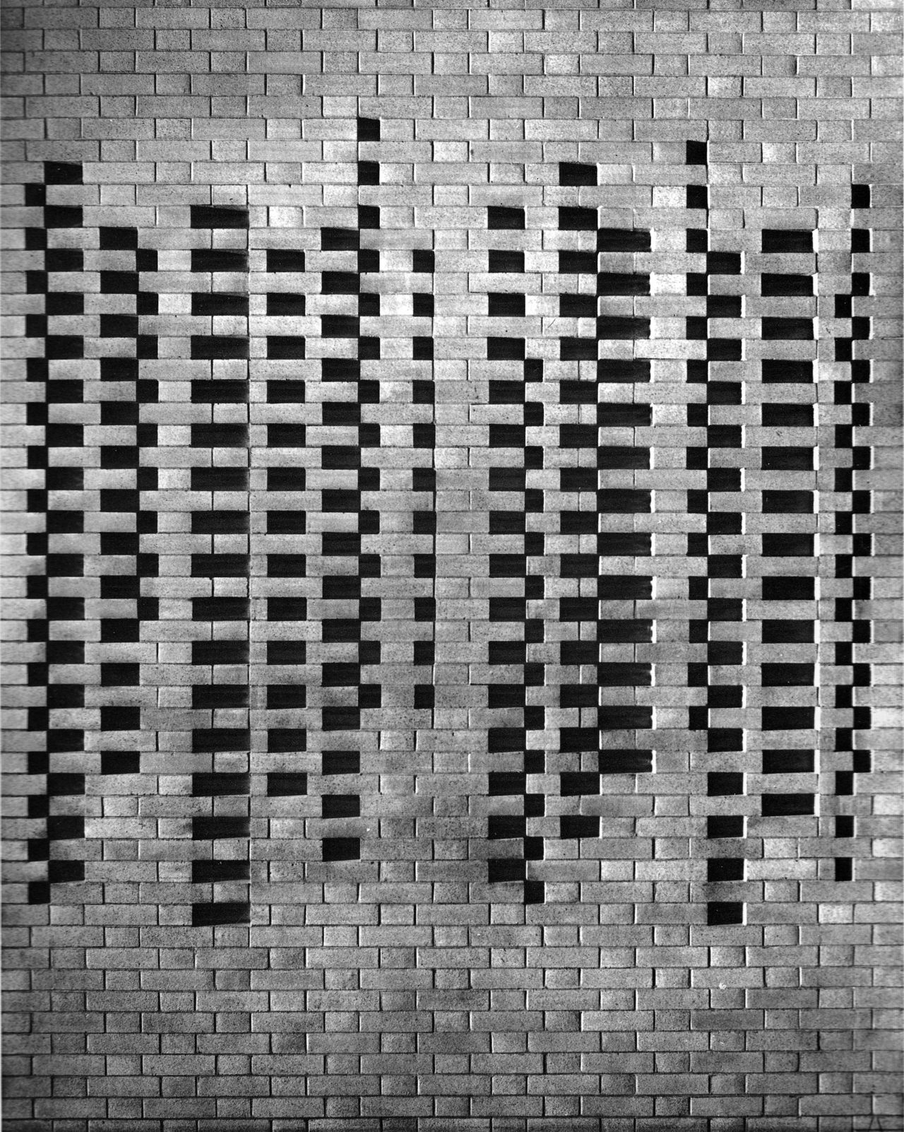 betonbabe:  JOSEF ALBERS   BRICK WALL DETAIL, HARVARD UNIVERSITY, 1949-50