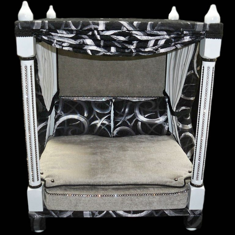 Four poster pet beds, two poster pet beds and pet steps