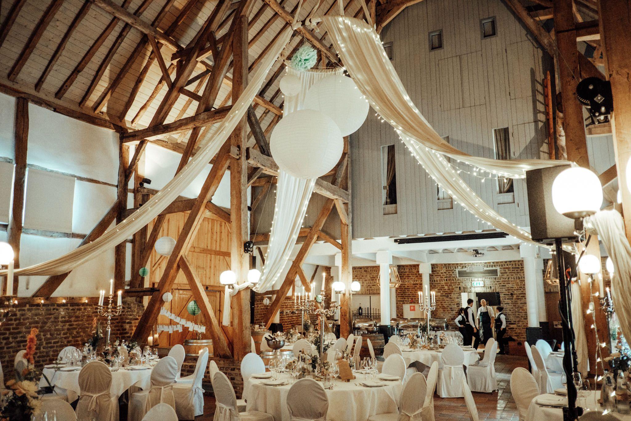 Hochzeit feiern in einer wunderschn rustikalen alten Scheune in der Euregio im Raum Aachen