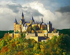 Hohenzollern Castle Palace In The Clouds Burg Hohenzollern Ancestral Swabian Black Forest Castle Of Hohenzollern Castle Germany Castles Castle Bavaria