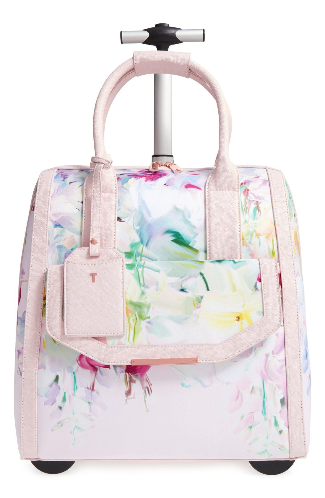 246bf7568a031 Make any getaway a fabulous one with this stylish travel bag ...