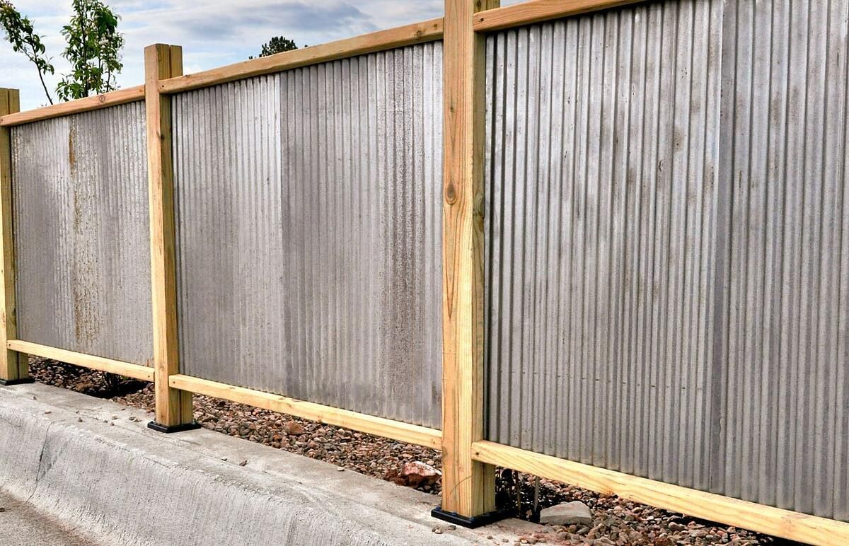 Corrugated Metal Fencing Design Inspiration For Residential Commercial And Agricultural Fences 1000 In 2020 Corrugated Metal Fence Fence Design Modern Fence Design