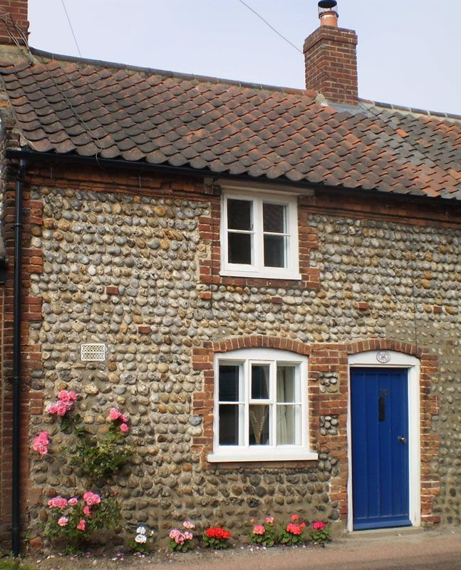 Norfolk Flint Cottage Google Search Norfolk Cottages Cottage Door Old Cottage