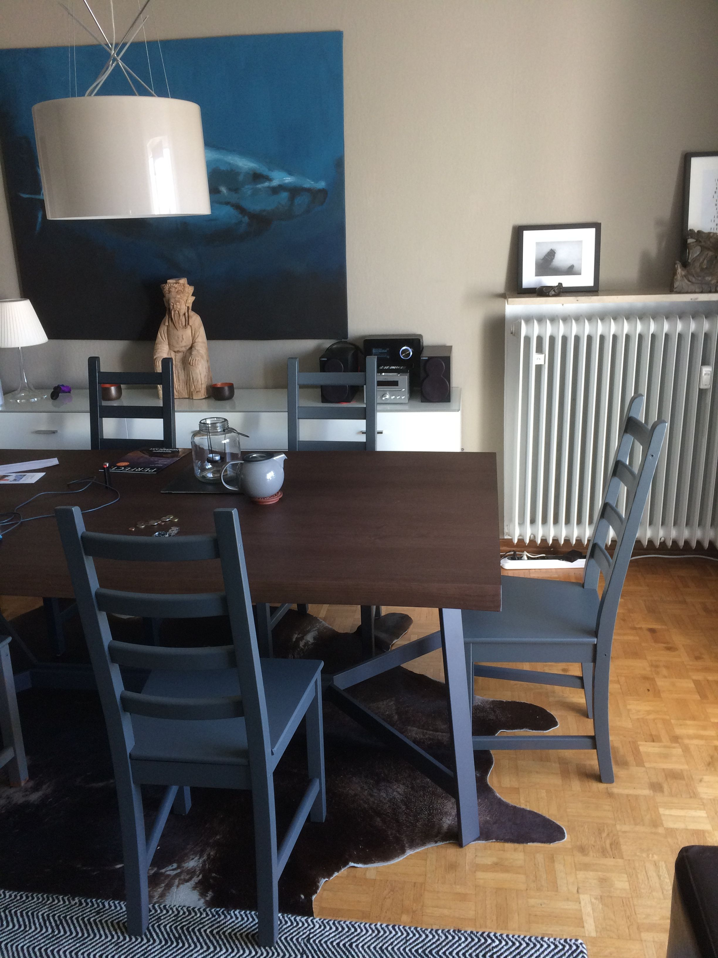 """painted the chairs in steel-grey so they fit to the table (Calligaris """"Status"""")."""