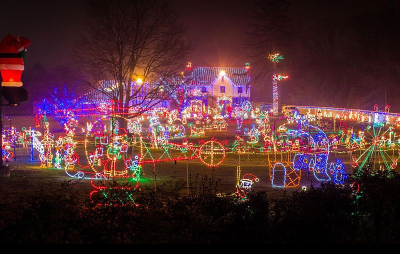 The Top Residential Holiday Light Displays In The Philadelphia Area Mommy Poppins Things To Do With Kids Best Christmas Lights Holiday Lights Display Christmas Lights