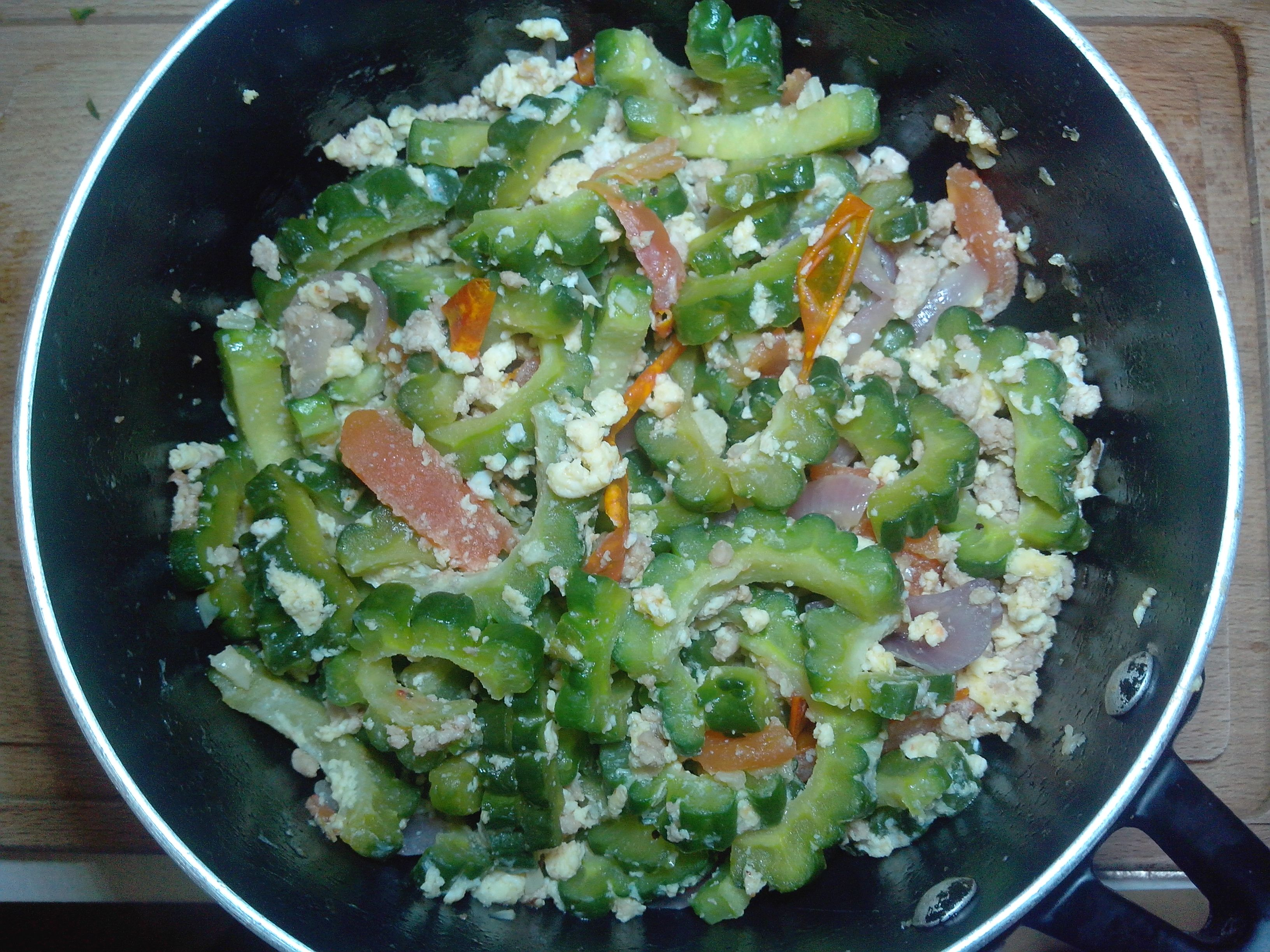 Vegetable for today's dinner. ♥  http://icookeat2.com/ginisang-ampalaya-sauteed-bitter-melon/ #icookeat2