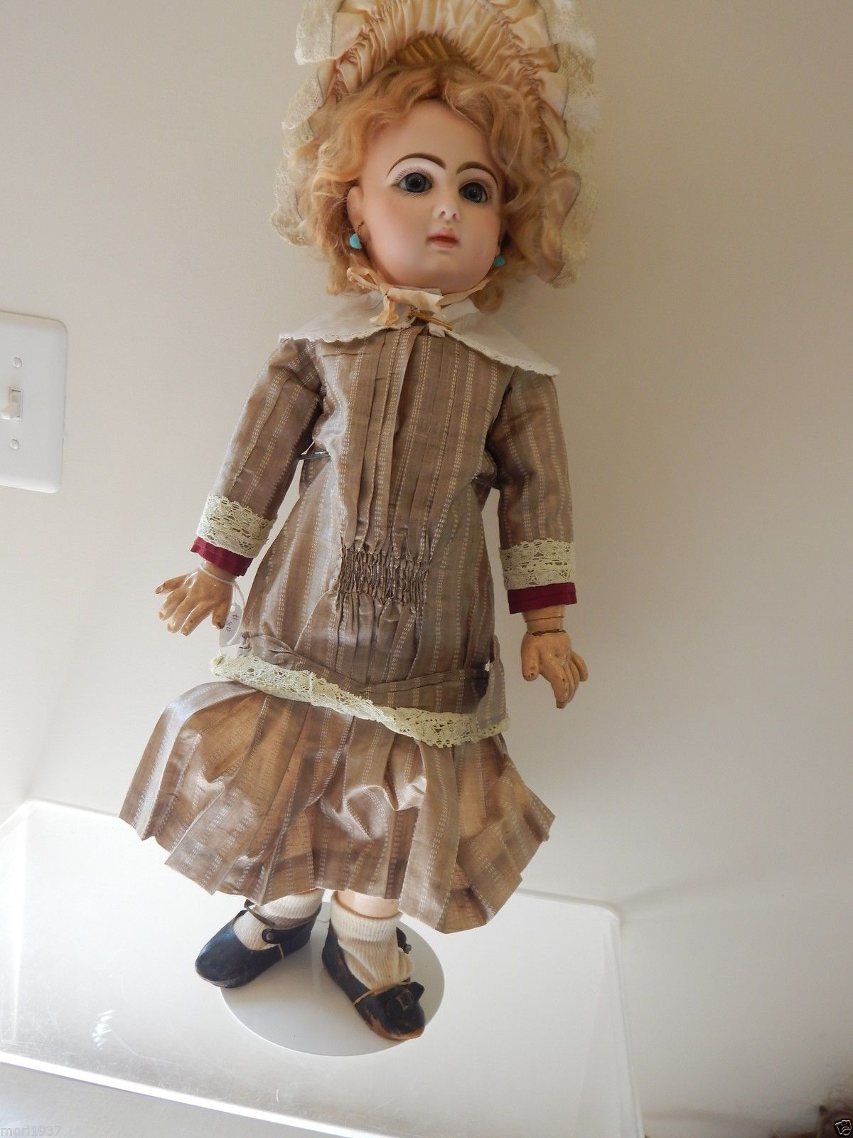 """22 """" Jumeau doll in fabulous condition ,head & body marked, excellent !! 