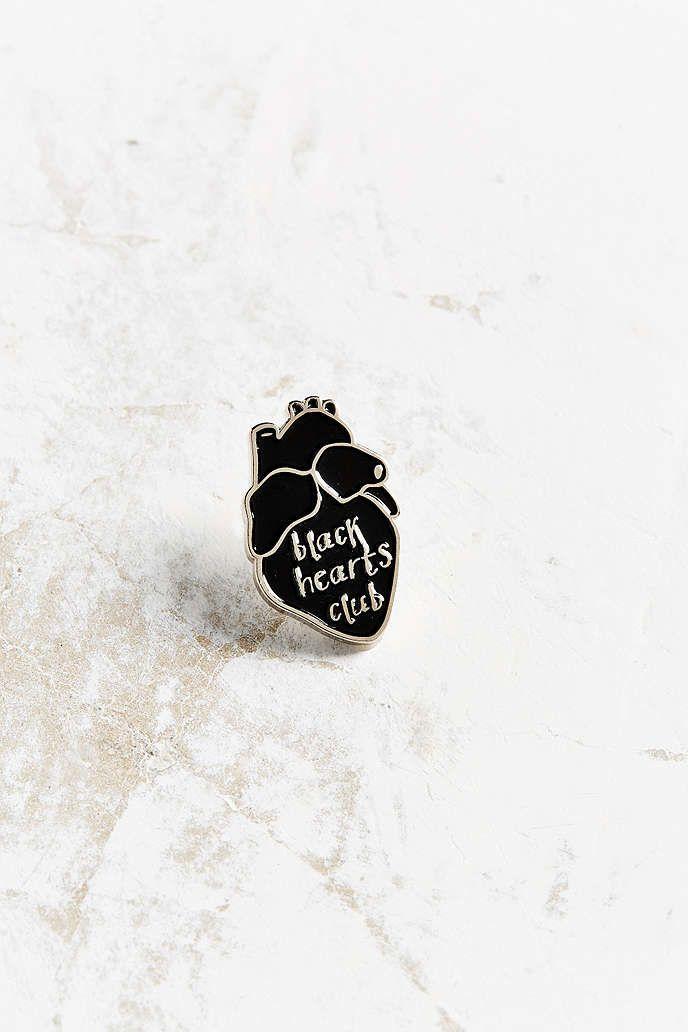 Verameat black hearts club pin black heart urban - Urban outfitters lyon ...