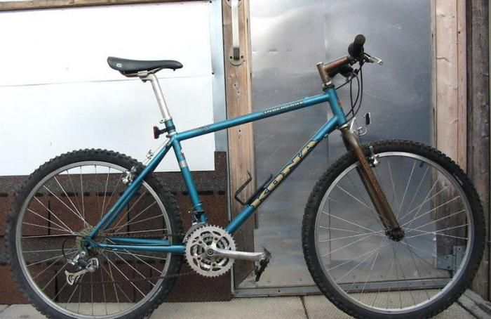dc9200e942f Kona Cinder Cone - my own had xt shifters, time Atac pedals, a yellow  kevlar saddle & panaracer fire xc tyres