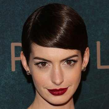 http://www.glamour.com/images/beauty/2012/12/anne-hathaway-red-lips-square-w352.jpg