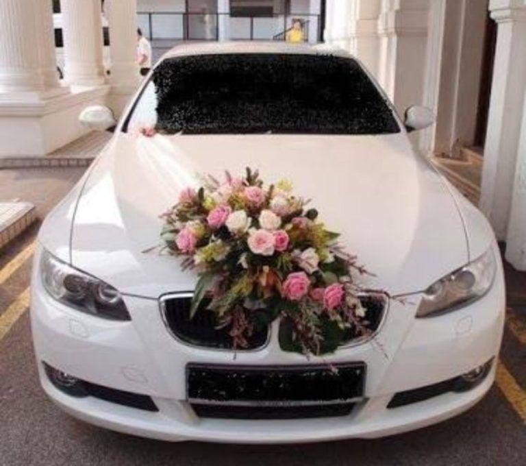 Mobil Pengantin In 2020 Wedding Car Decorations Bridal Car Wedding Car Deco