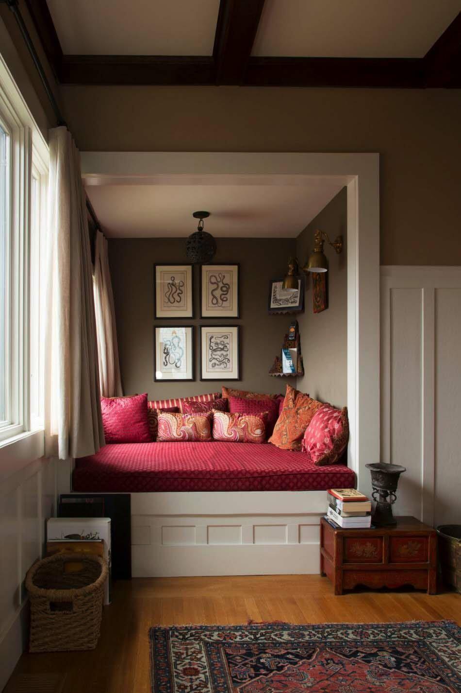 20+ Incredibly cozy book nooks you may never want to leave! is part of Romantic Cozy Living Room - Have a look at an amazing collection of cozy book nooks to inspire you to create one in an underutilized area of your own home