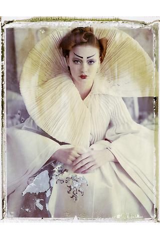 ANDREA JANKE Finest Accessories: Exhibition | Haute Couture: Déjà-Vu by Cathleen Naundorf #CathleenNaundorf #HauteCouture #Photography