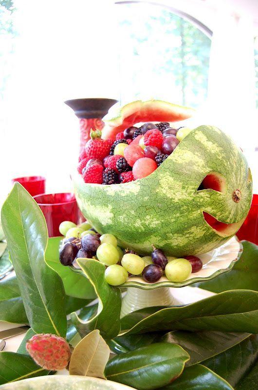 Photo of Walwassermelone mit Beeren und Trauben (sie sollten auch Ananas h