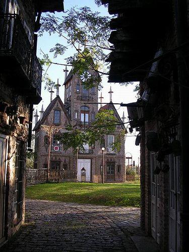 Campanopolis. Una villa medieval en Gran Buenos Aires