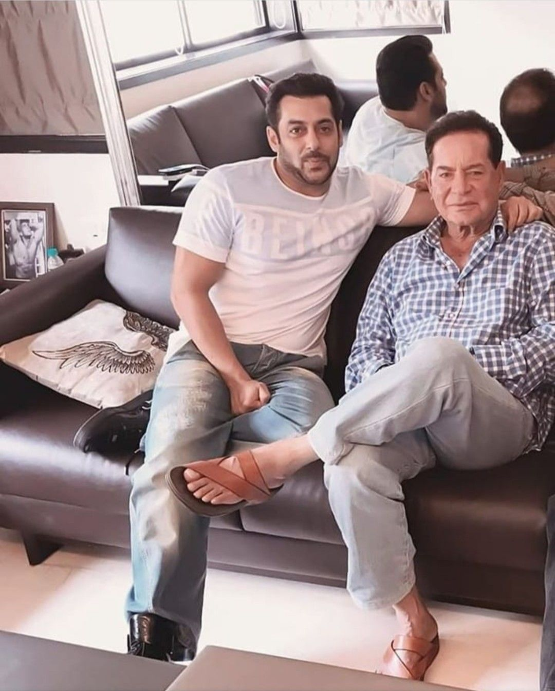 With his Father (With images) | Salman khan, Salman khan photo ...