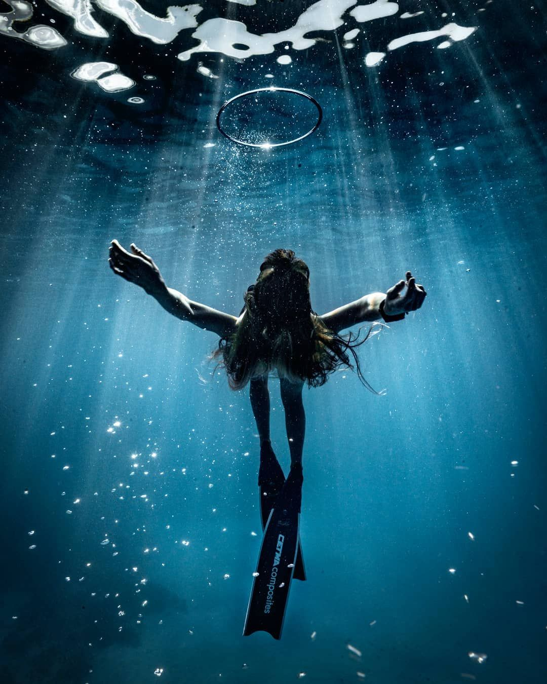 """""""The Big Blue"""": Astonishing Underwater And Freediving"""