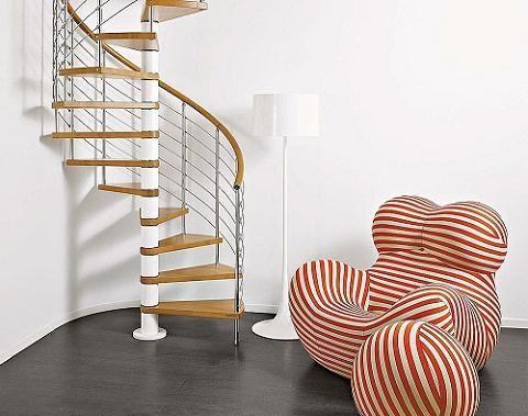 Escaleras para espacios peque os escalera espacios for Escaleras modernas para espacios pequenos