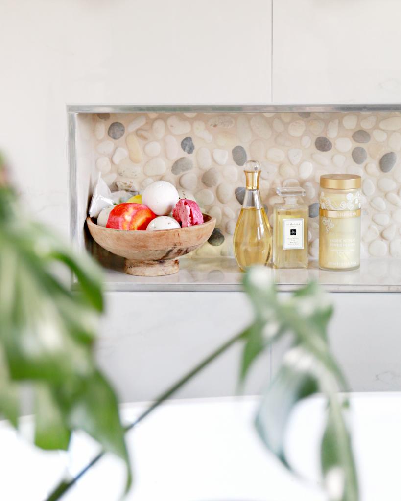 BADKAMER PEBBLES - in de badkamer bij blogger Serena Verbon door Van ...