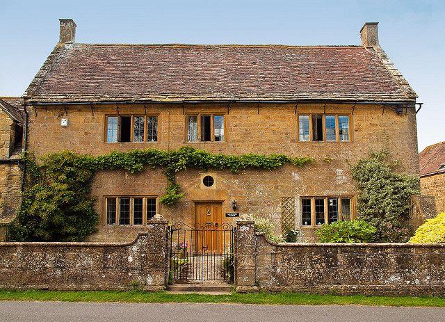 Leaches Farm Is An Elegant Ashlar Ham Stone Farmhouse