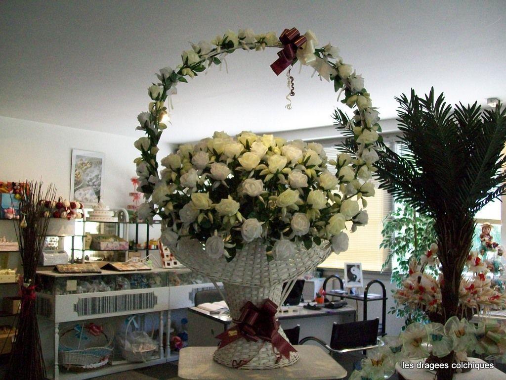 Comment fabriquer un arbre a drag e fashion designs - Comment decorer une corbeille de mariage ...
