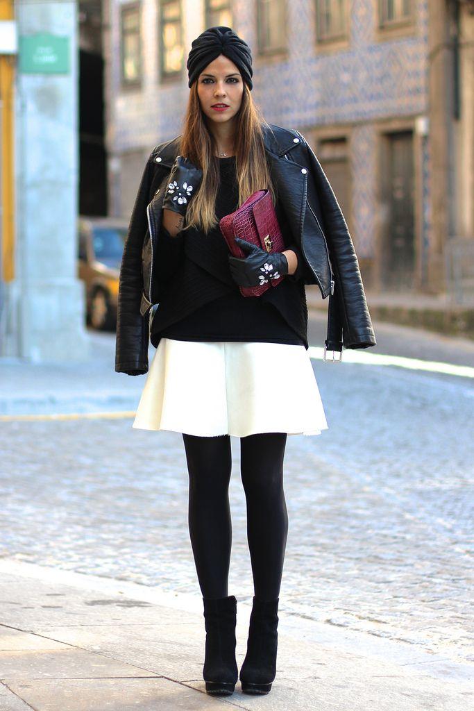 trendy_taste-look-outfit-street_style-AW13-fashion_spain-moda_españa-black_booties-botines_negros-white_skirt-falda_blanca-black_sweater-jersey_asimetrico_negro-turban-turbante-leather_gloves-statement-pedreria-polaroid-12