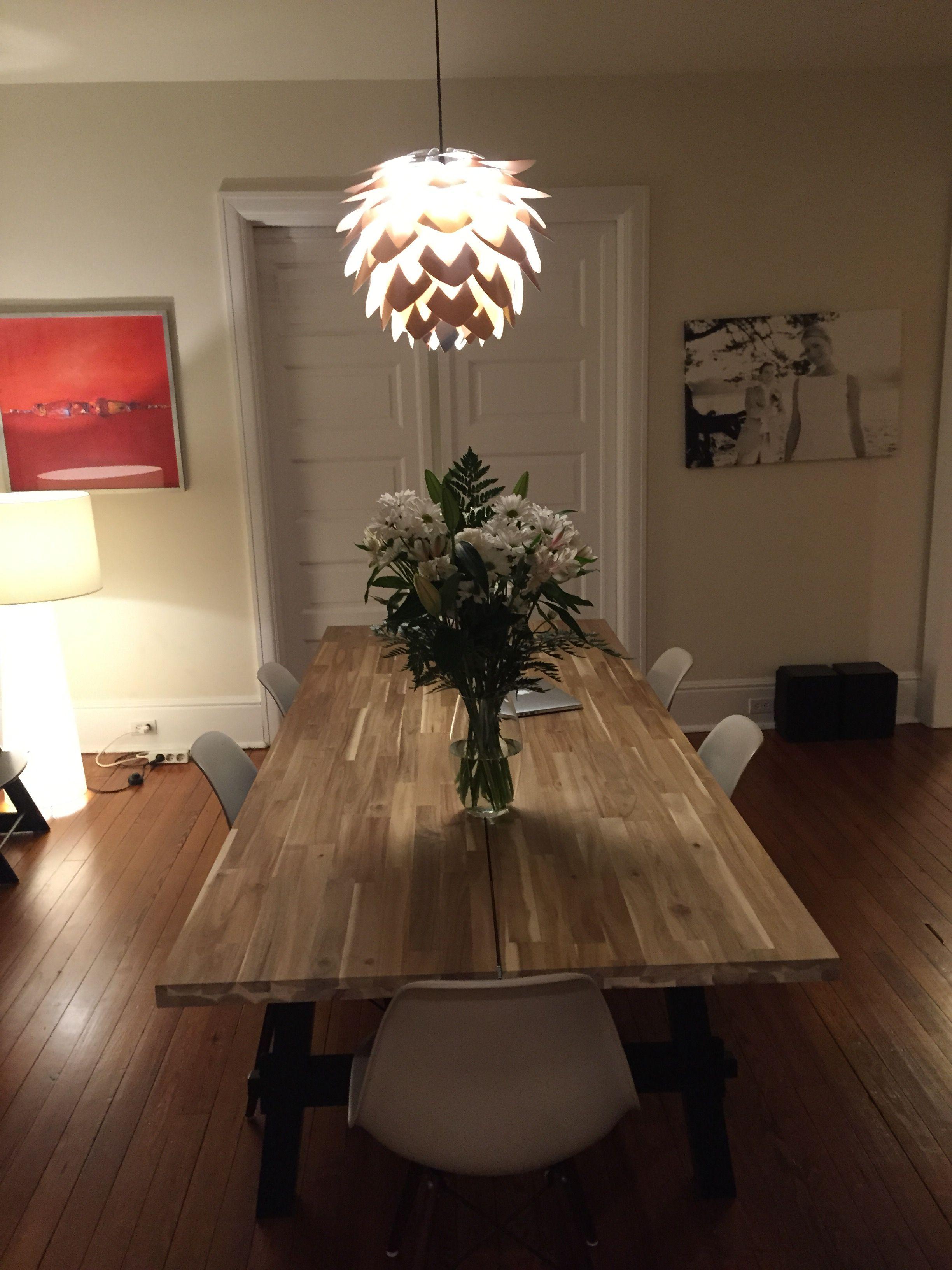 skogsta ikea table with beige eames reproductions interieur pinterest ikea table beige. Black Bedroom Furniture Sets. Home Design Ideas