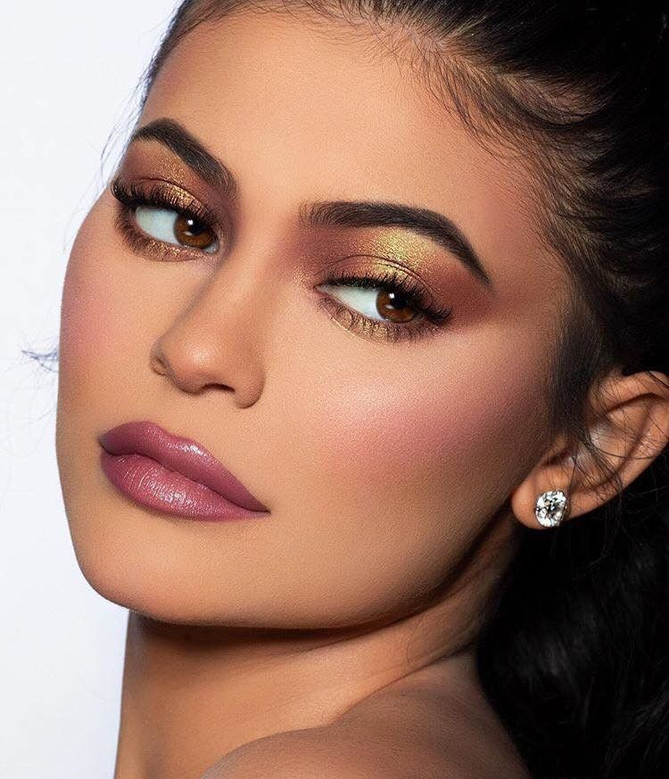 Kylie Jenner's Most Glamorous Makeup Looks To Copy